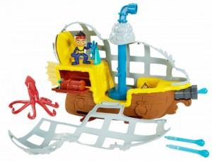 Fisher-Price Disney Jake and The Never Land Pirates Rolling Submarine Bucky (540x411)